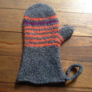 Scrappy Felted Oven Mitt pattern by Kelly Schroeder