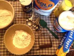 Some useful tools for pie baking are a pastry cutter and wax paper or parchment paper. You may also find it easier to measure lard or shortening with an adjustable measuring cup.