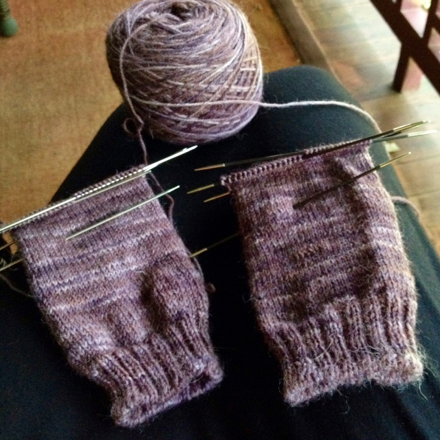 I'm conducting a sox-speriment by knitting socks in tandem on two different brands of US 0 dons. I'm using the heel directions for NHKnits' Agatha socks, as well as some ribbing on the foot arch.
