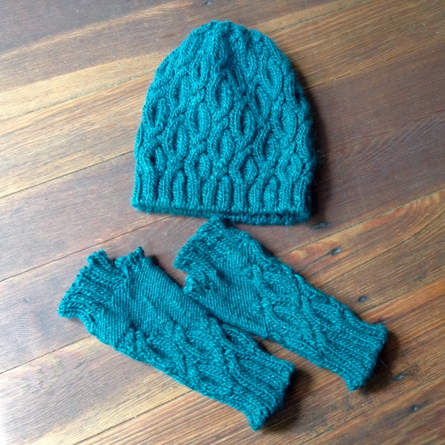 Selkie Hat and Mitts set designed by Bristol Ivy. Knit in Juniper Moon Farm Moonshine on US 5 (hat) and 4 (mitts) needles. This pattern appears in Issue 17 of Taproot.